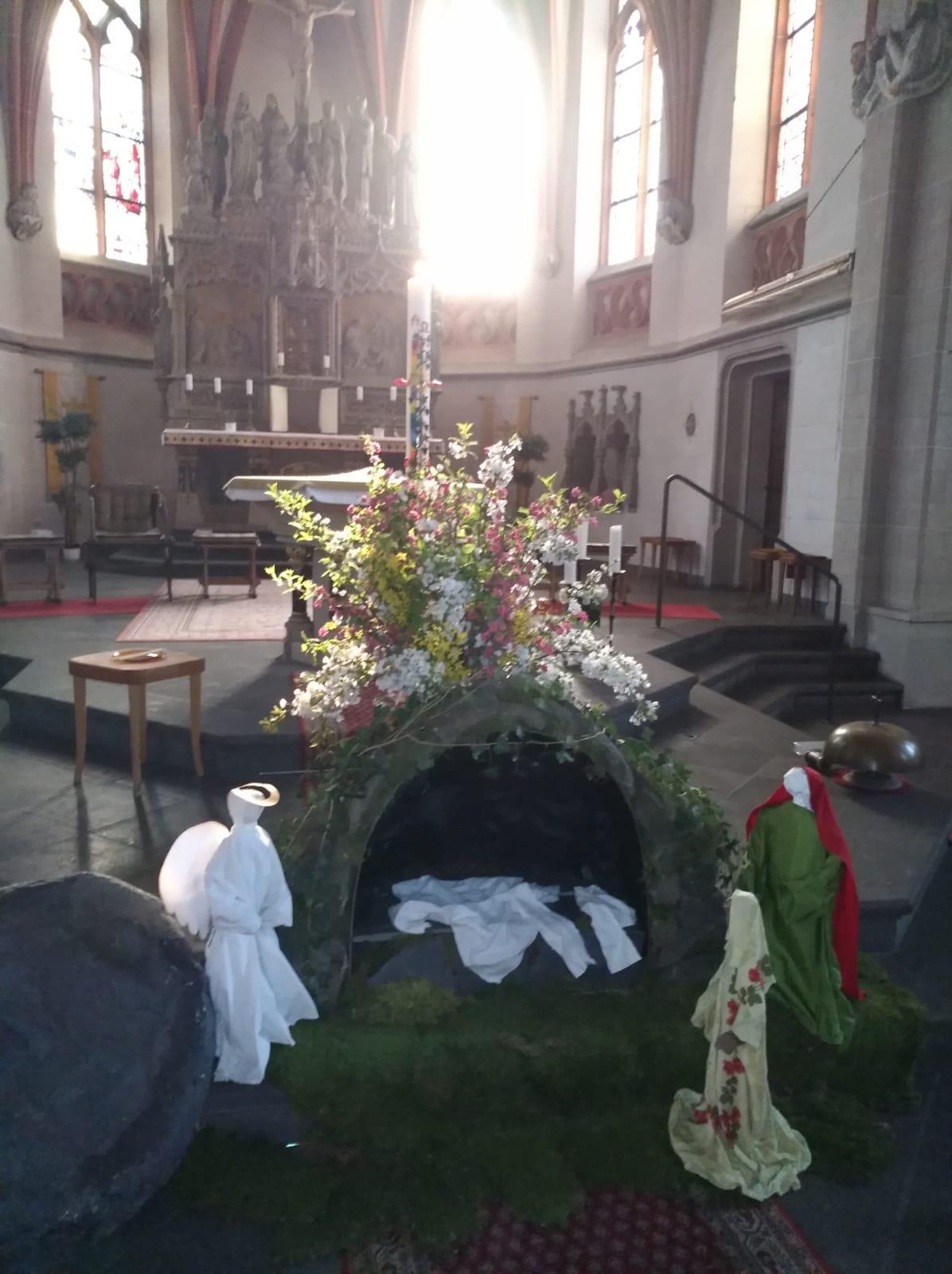 Foto Das Grab ist leer - Kempenich1