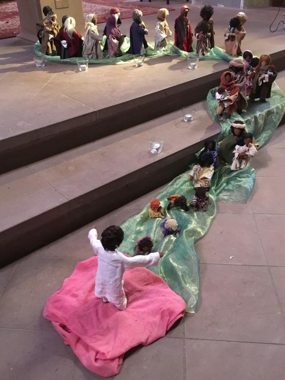 Foto -Szene zum Evangelium mit Egli-Figuren - Jesus empfängt 21062020